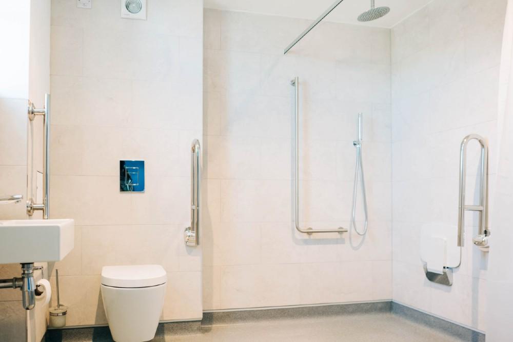 Bryn Berwyn Ground Floor Suite Accessibility Bathroom