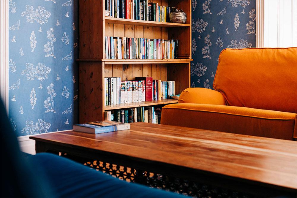 Bryn Berwyn Country House reading lounge